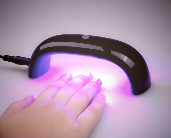 Лампа для сушки ногтей вредна ли