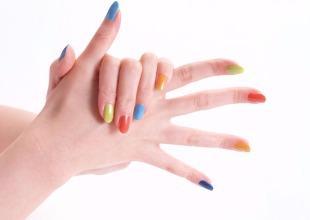 Вмятины на ногтях