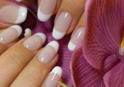 Вредно ли наращивание ногтей