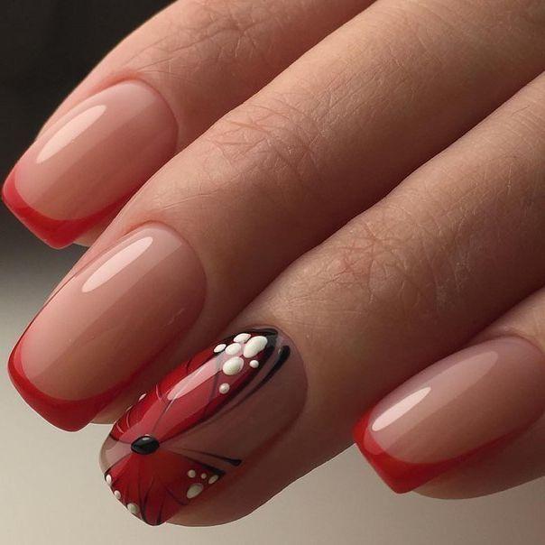 Френч с красной бабочкой