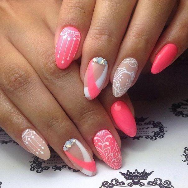 Розовые на длинные ногти со стемпингом