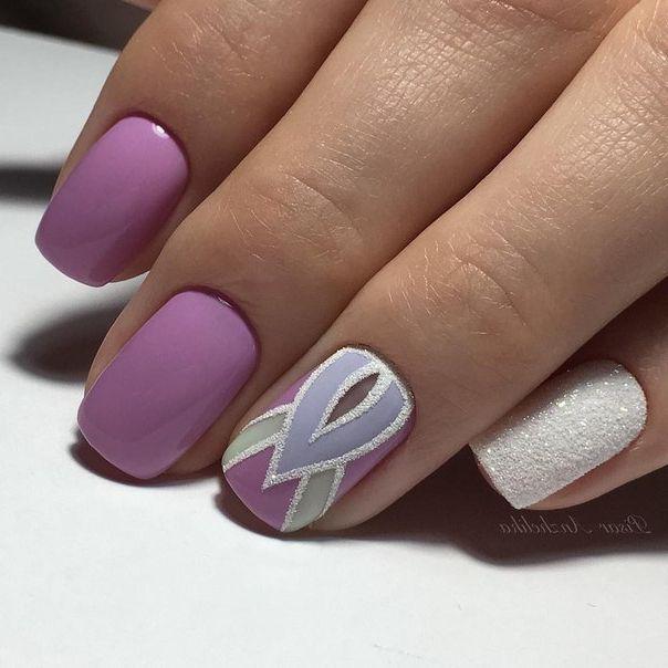 Сиреневый маникюр на короткие ногти