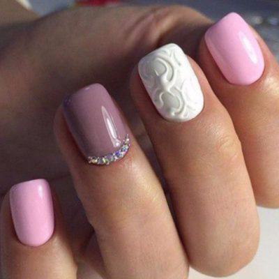 Нежный розовый с лепкой