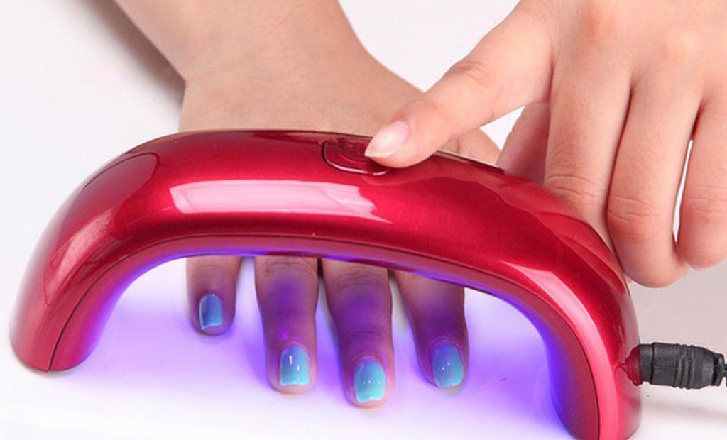 Как пользоваться ультрафиолетовой лампой для ногтей