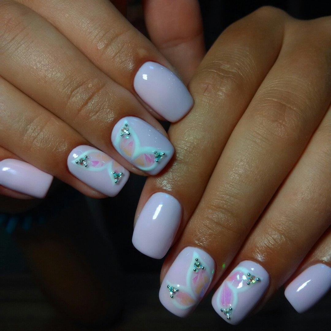 Крылья бабочек на ногтях