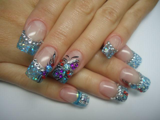 Праздничный маникюр на длинные ногти