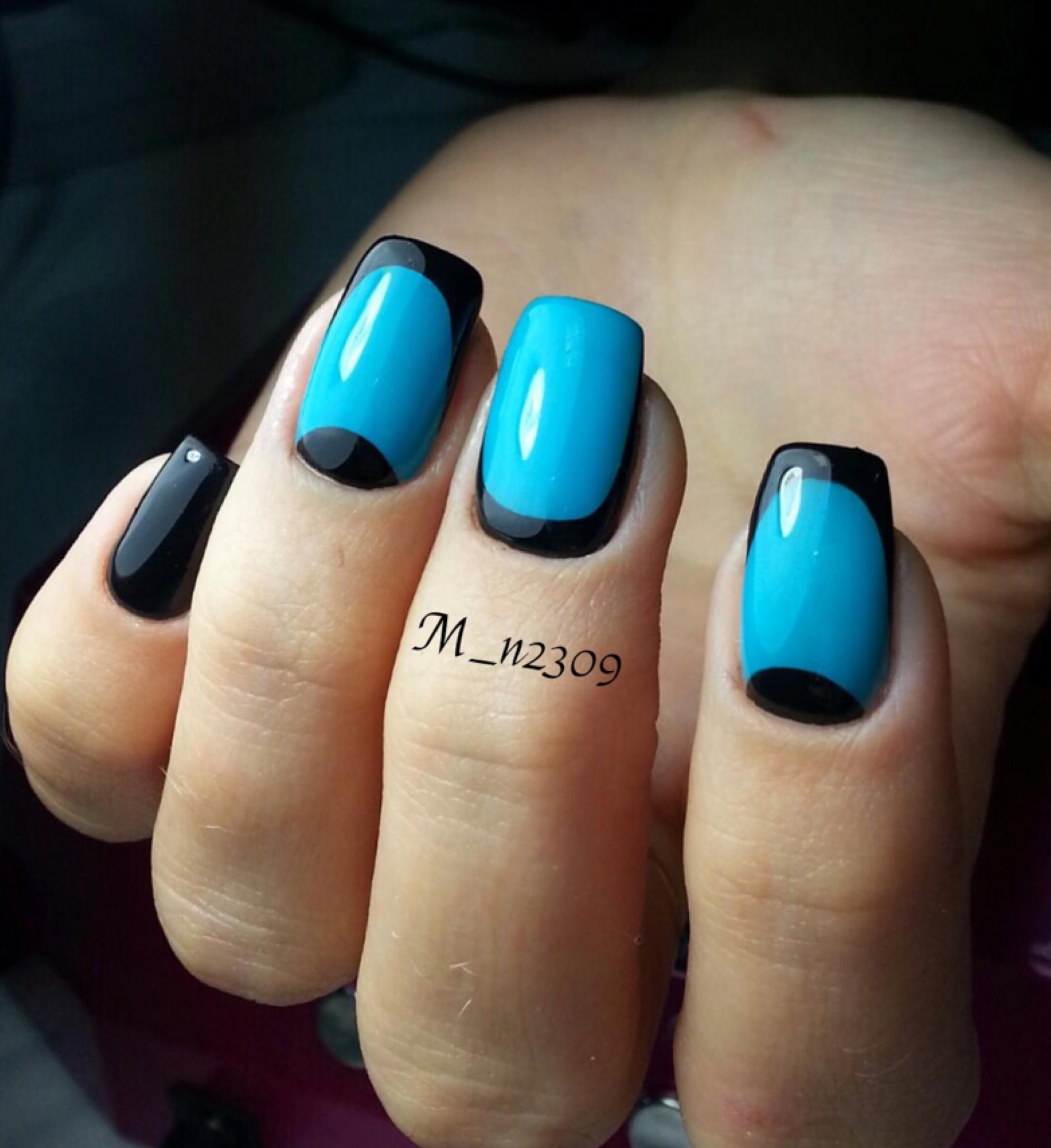 Френч и лунный френч в черно-голубых тонах