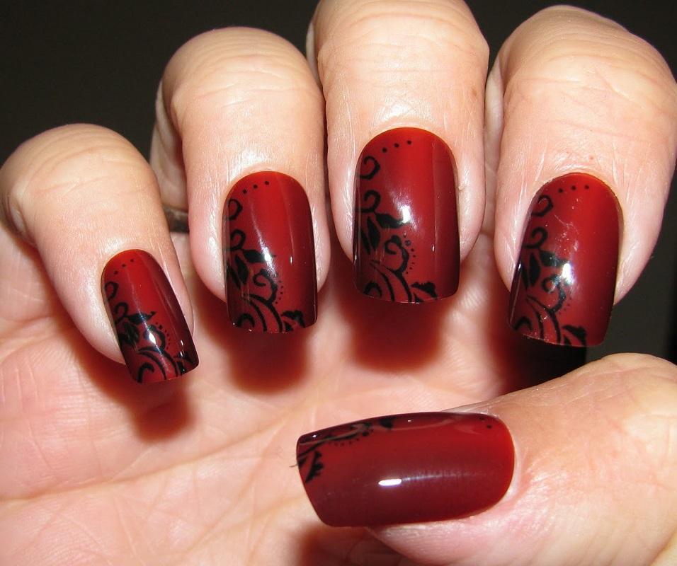 Красно-черный строгий маникюр
