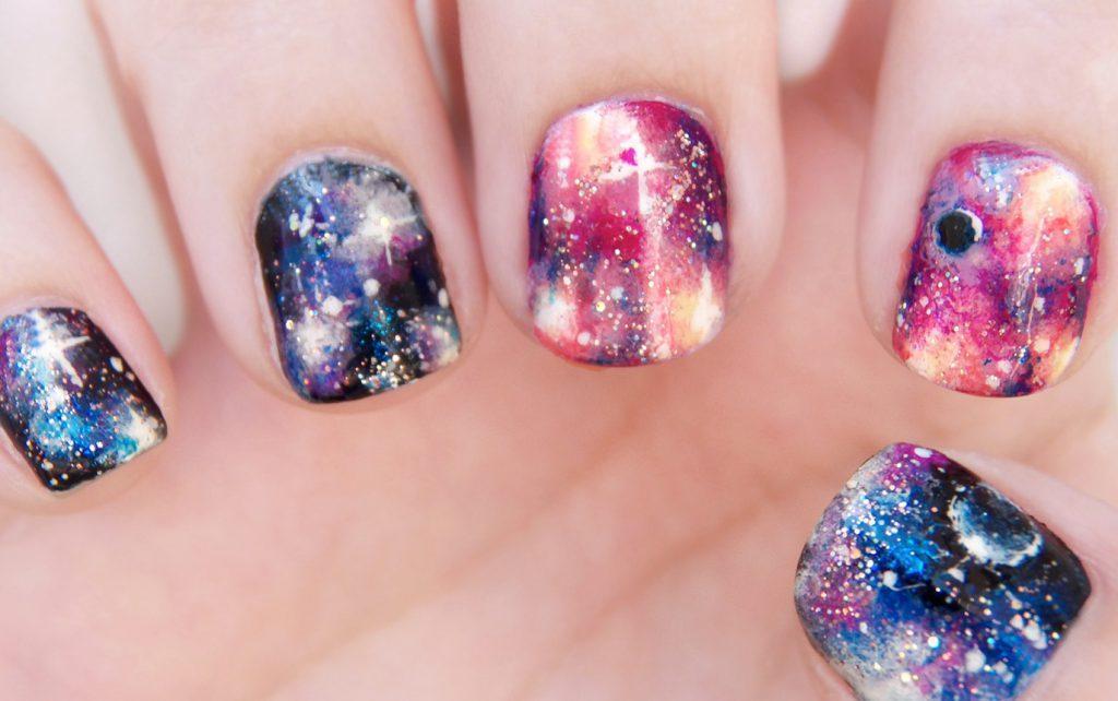 manikyur-v-stile-galaxy-1