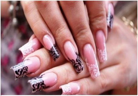 Красивые узоры на длинных ногтях