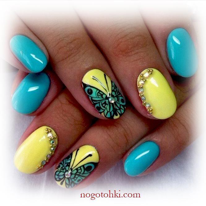 Летний сине-желтый маникюр с бабочками
