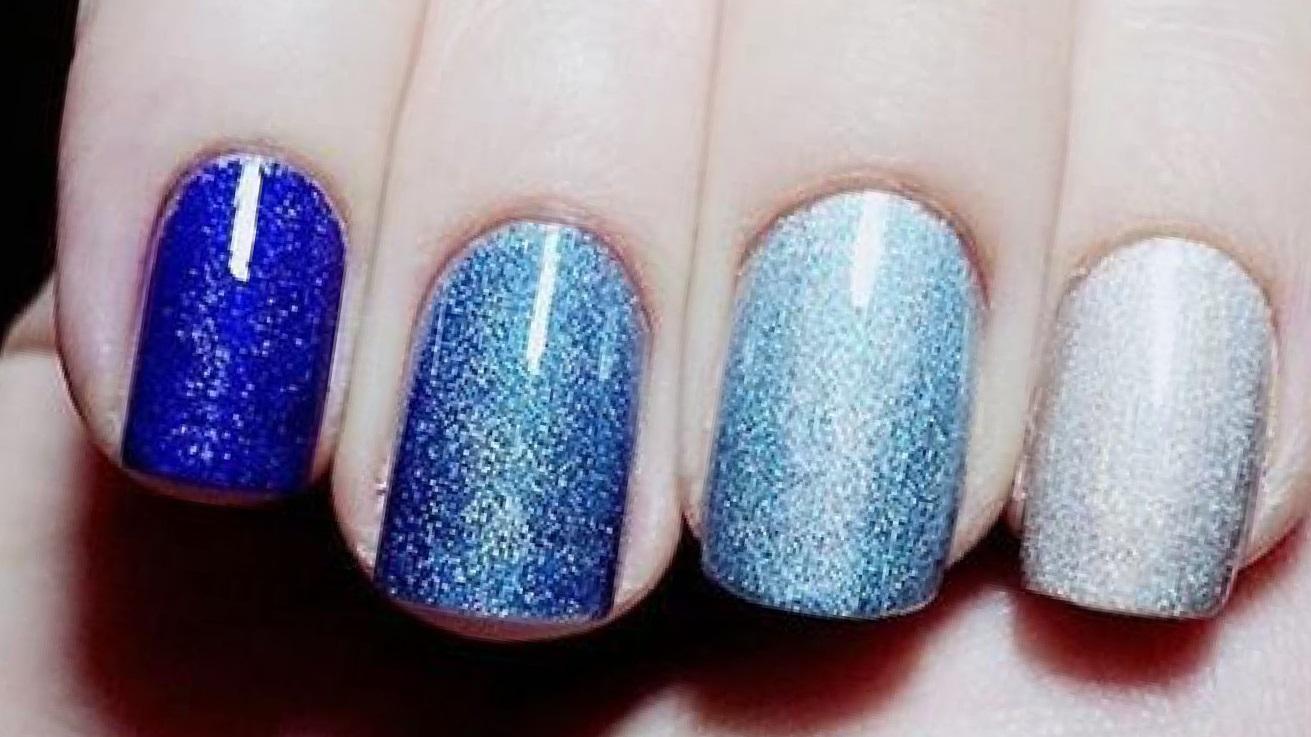 Сине-голубой омбре с блестками