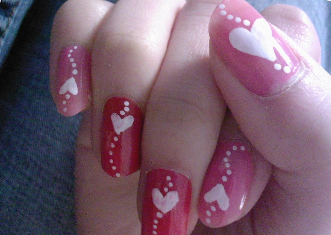Сердечки в нежном маникюре на день Св. Валентина