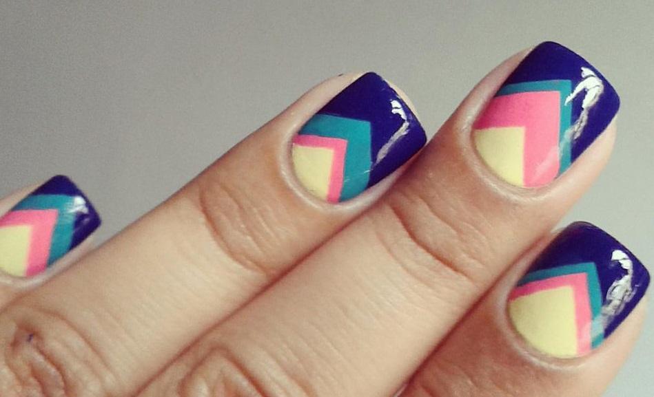 Весенняя геометрия на ногтях