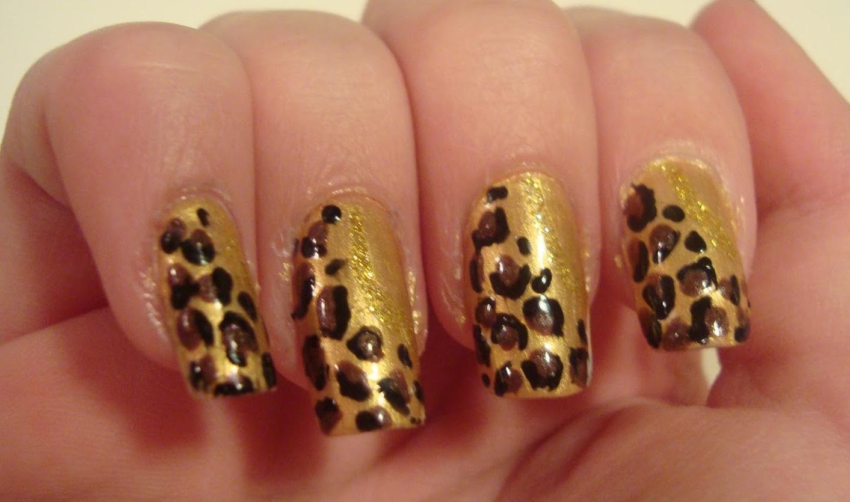 Праздничный маникюр «золотой леопард»