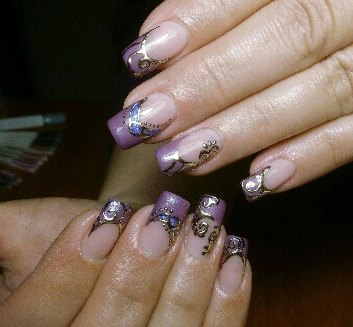 Красивое литье на ногтях с френчем