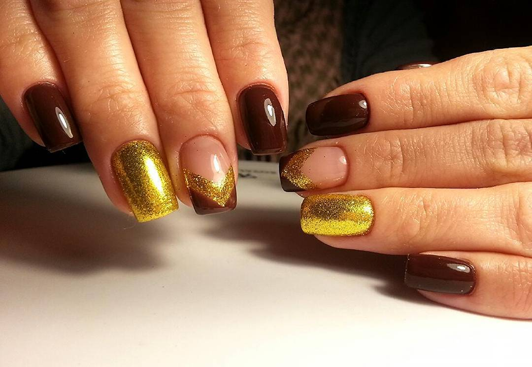 Идеальные шоколадно-золотые ногти