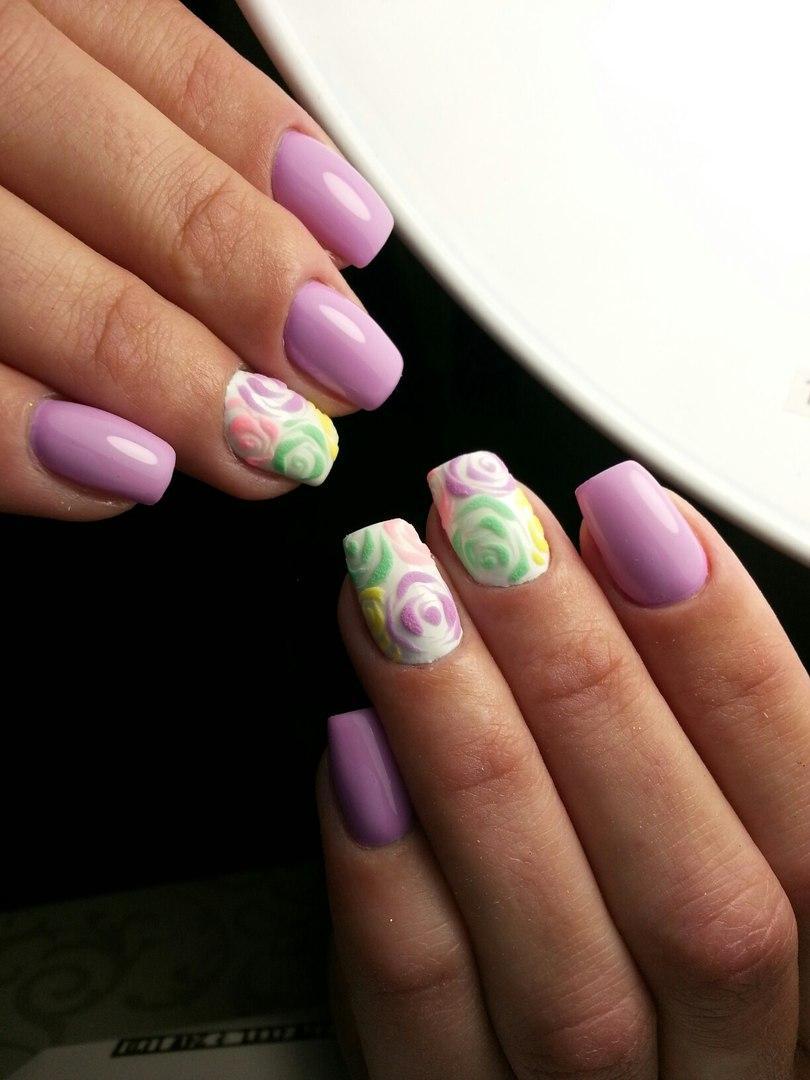 Разноцветные бархатные розы