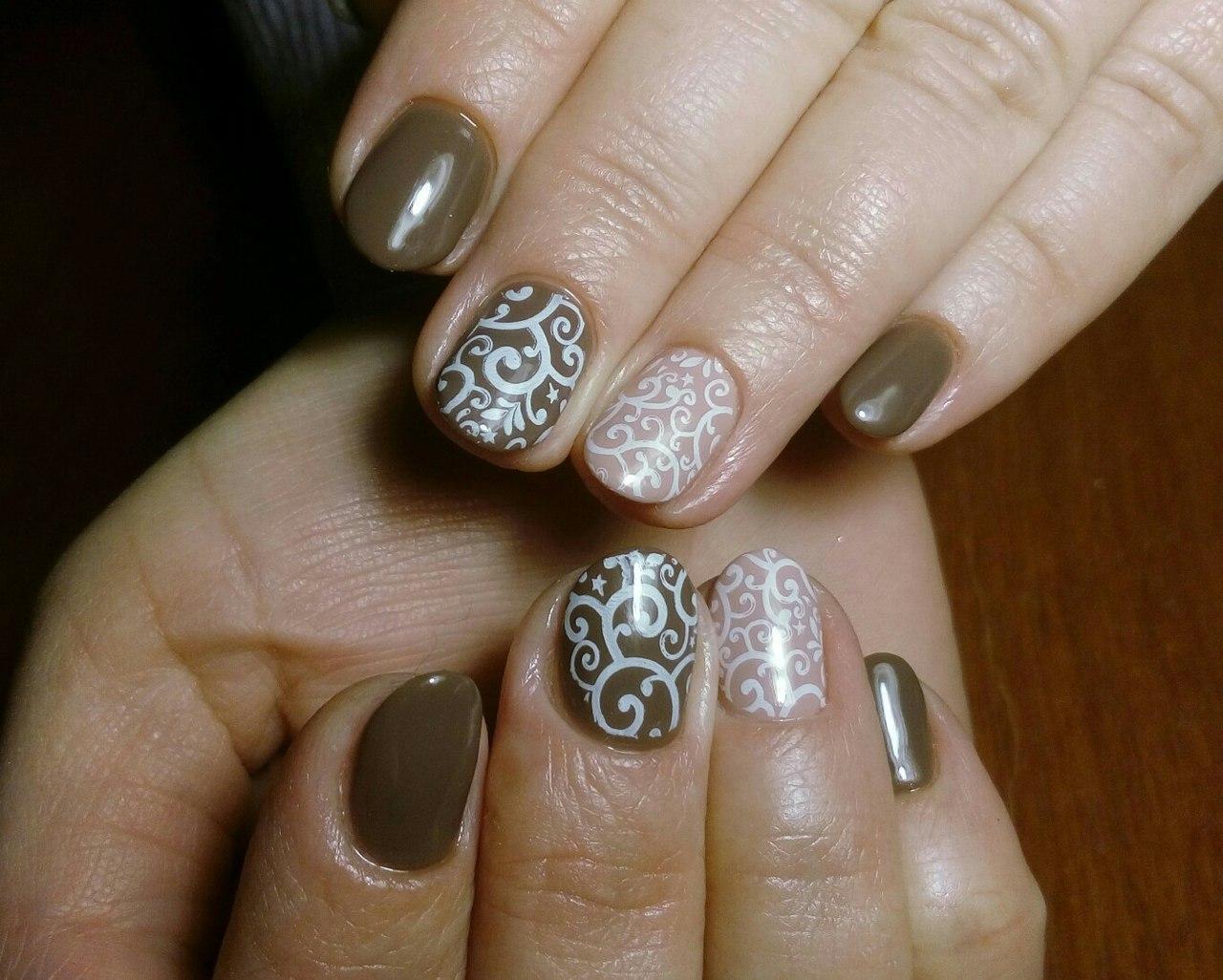 Восхитительные кофейные ногти с узорами