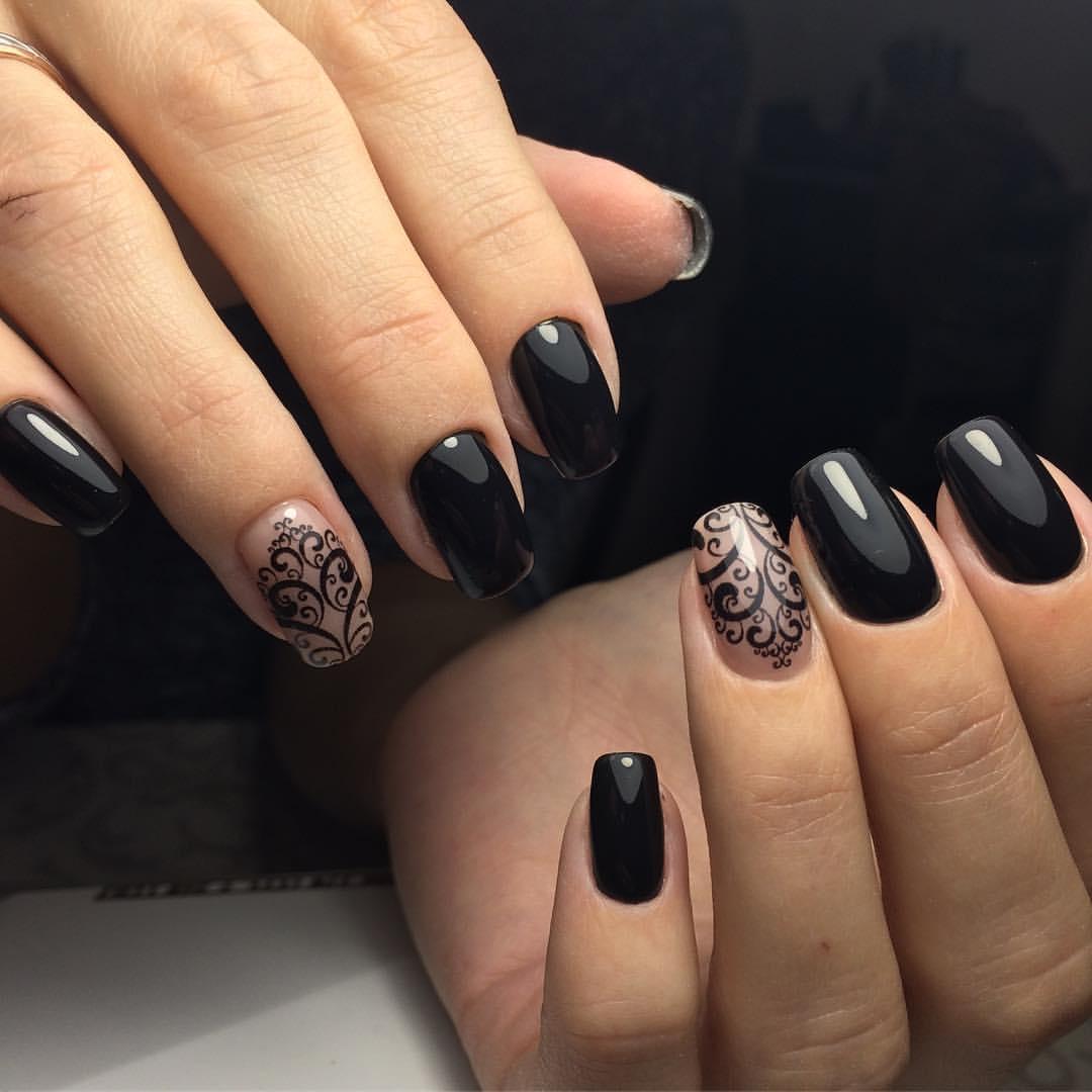 Узоры черного цвета на длинные ногти
