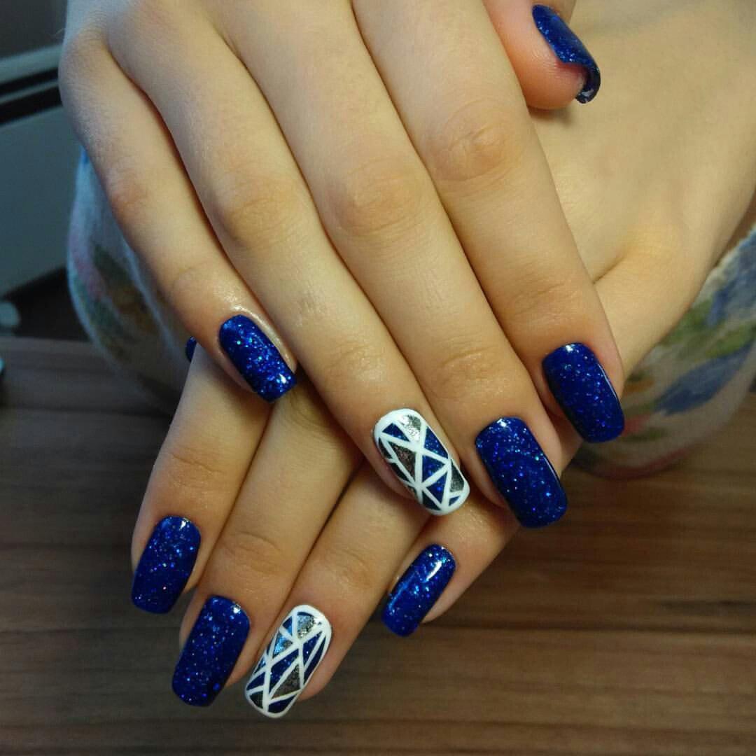 Множество магических треугольников на ногтях
