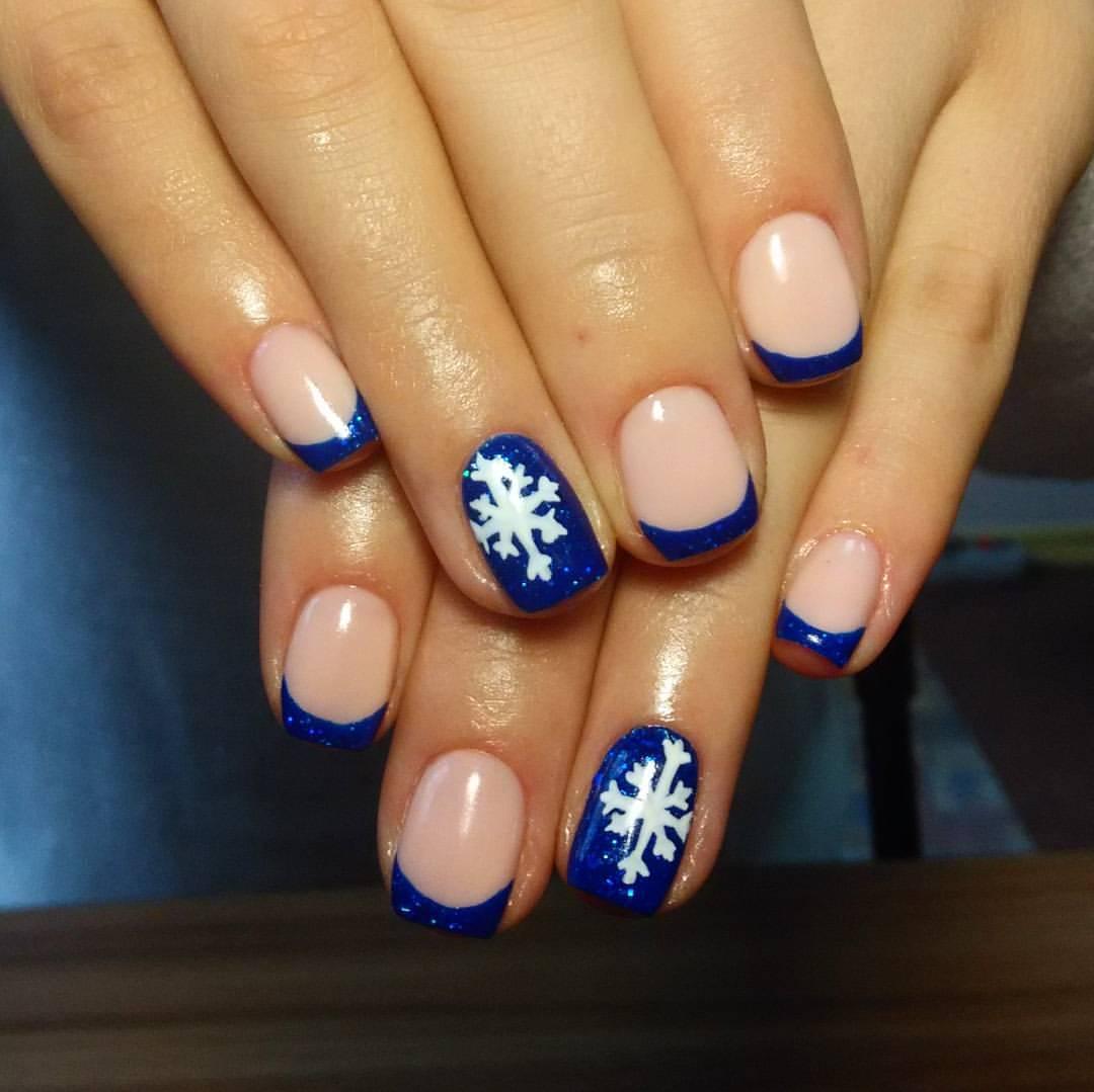 Новогодний френч со снежинками