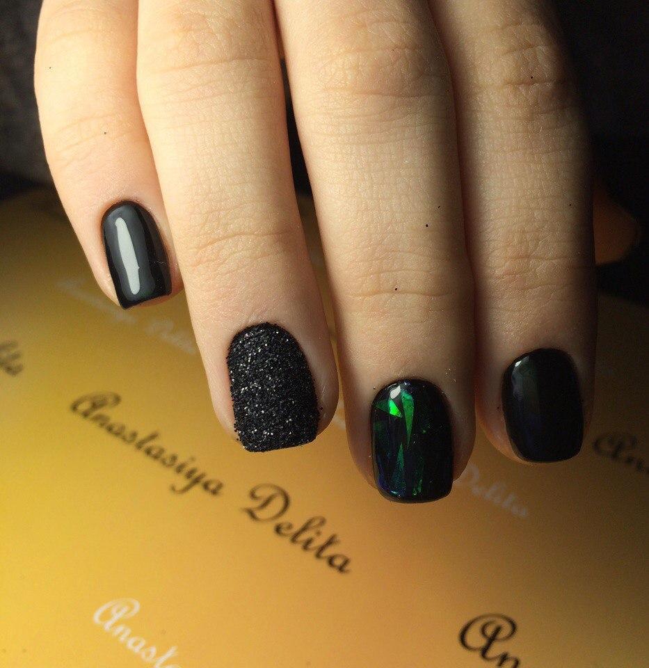 Сахарные чёрные ногти с битым стеклом