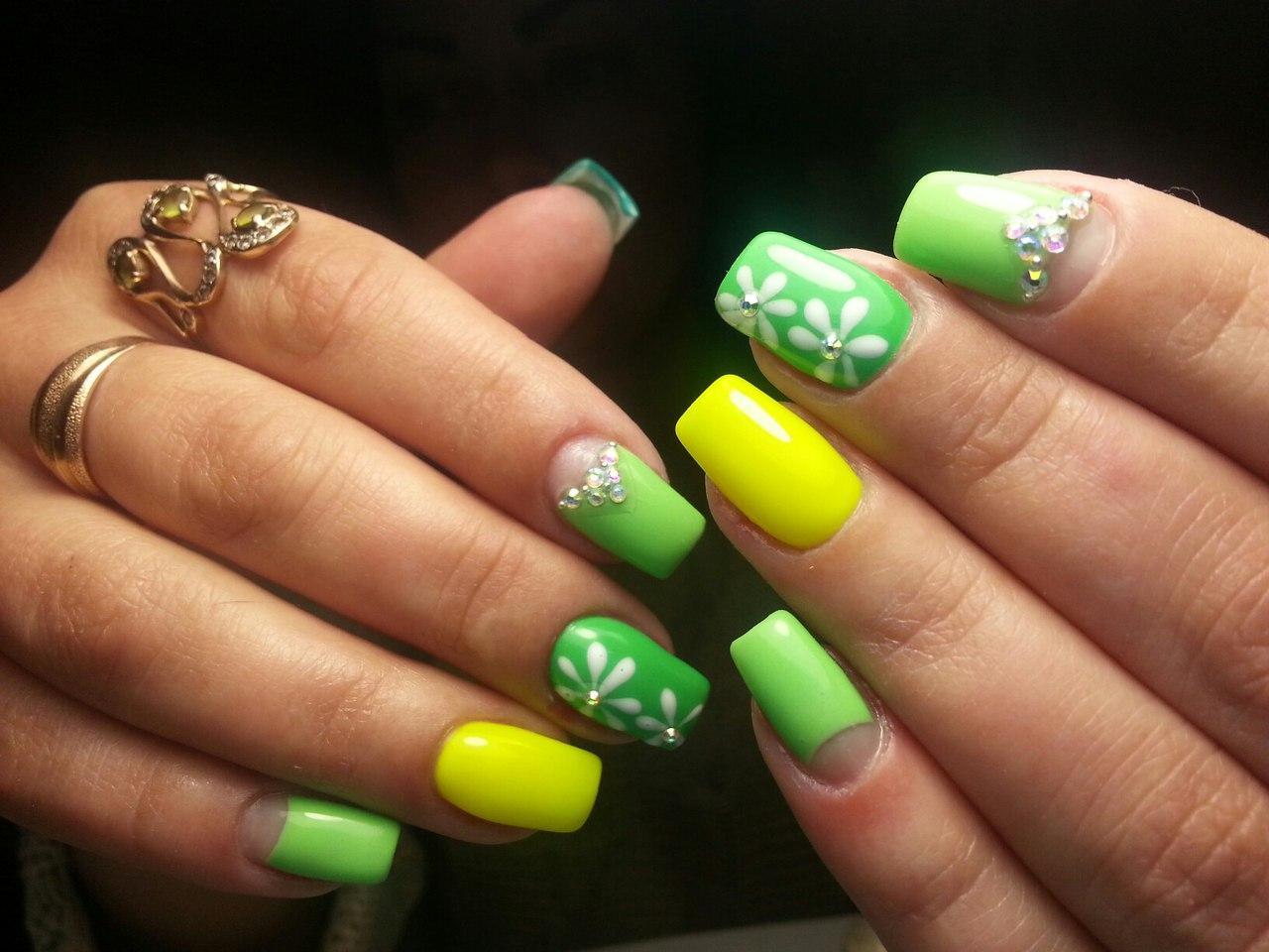 Красивые ногти к лету с цветами