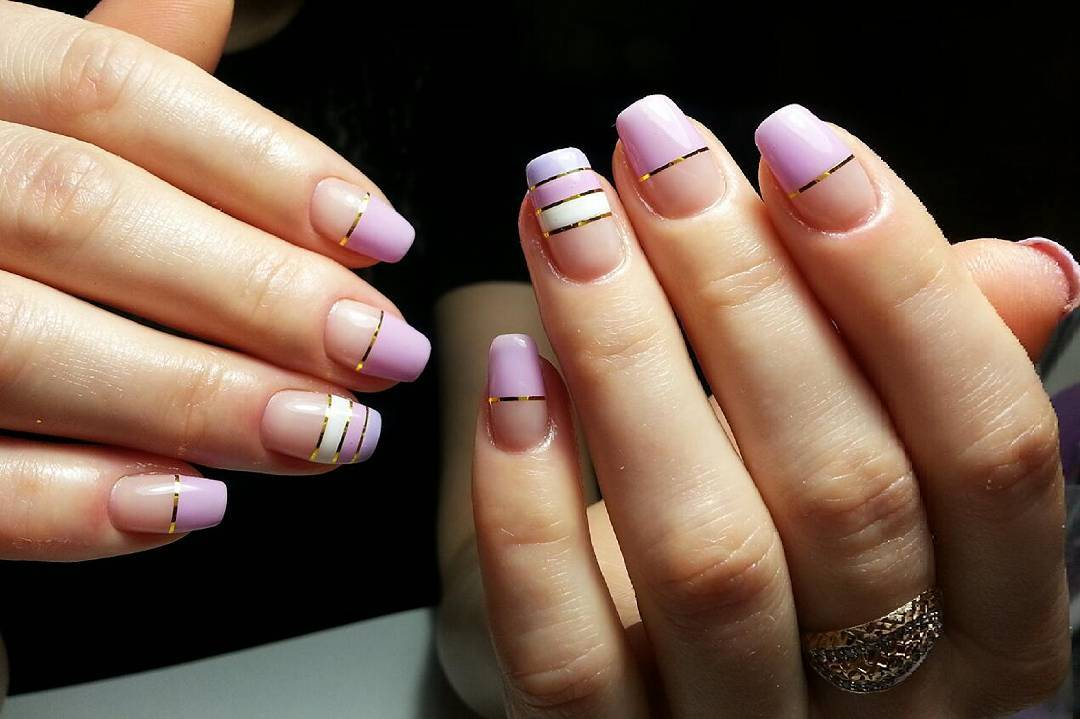 Полосатые ногти нежных оттенков