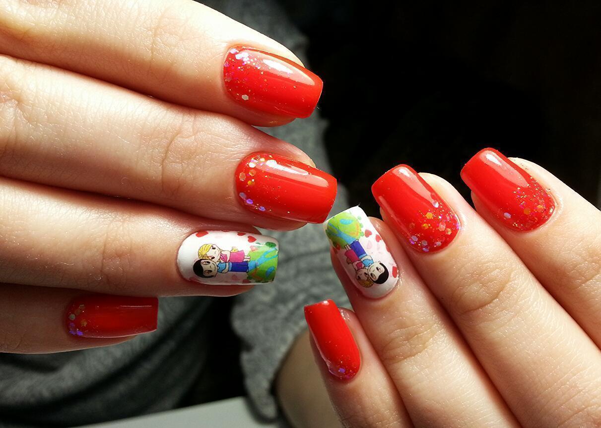 Love is… на красных ногтях