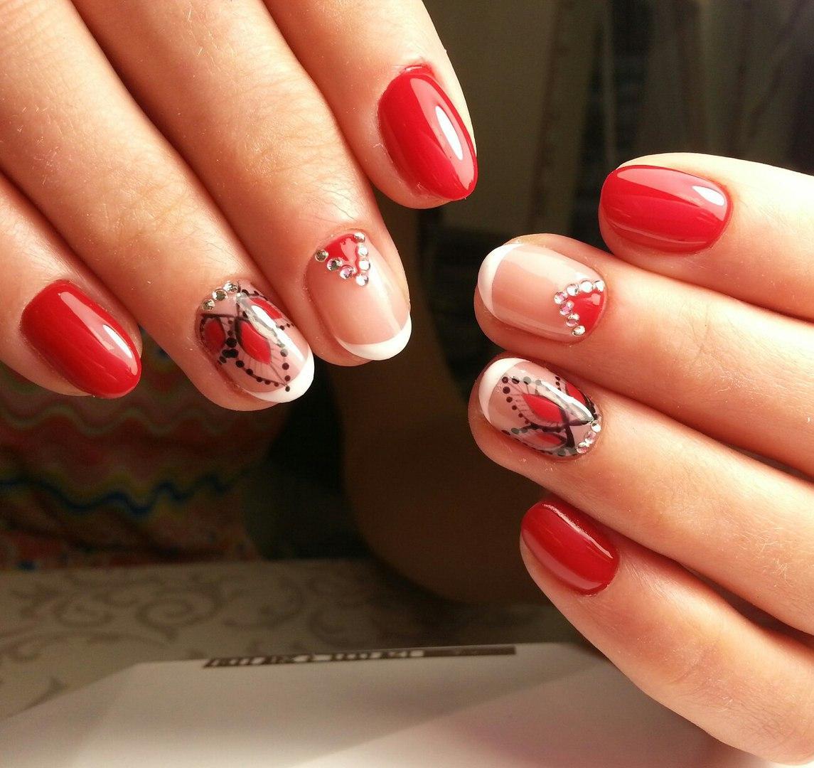 Необычный рисунок на ногтях