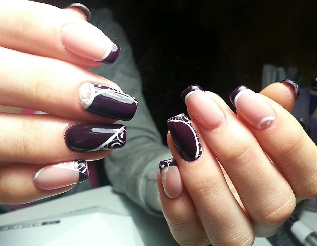 Темно-фиолетовый шеллак с узорами