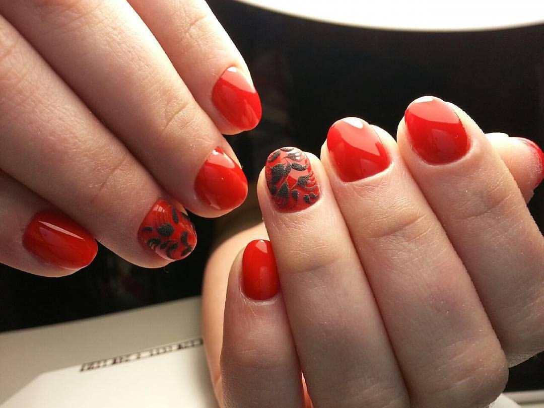 Идеальный красный гель-лак и узоры