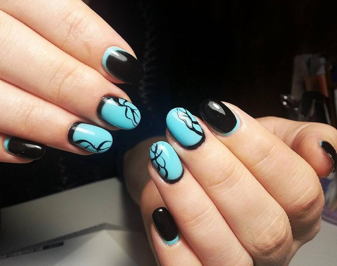 Фантастические голубые ногти