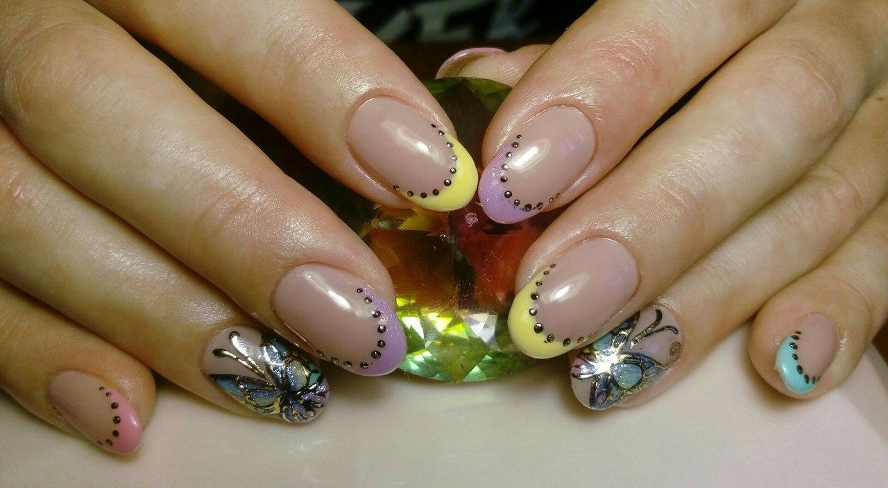 Милые бабочки с разноцветным френчем