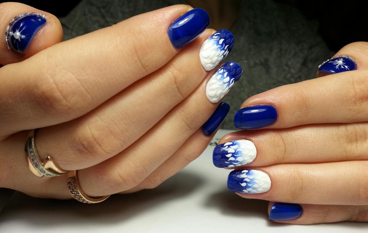 Бело-синее омбре с бархатом