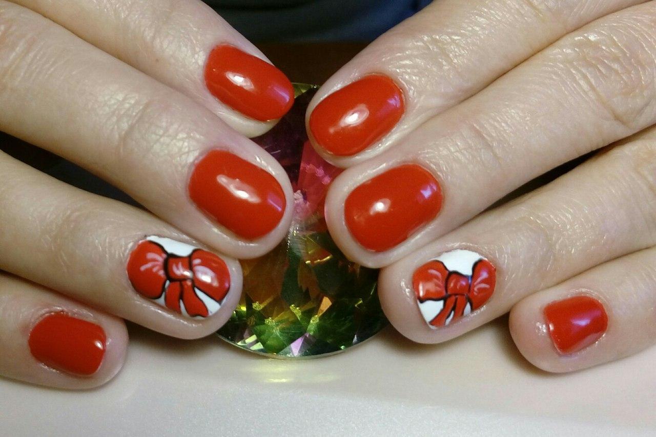Шикарный красный шеллак с бантиками