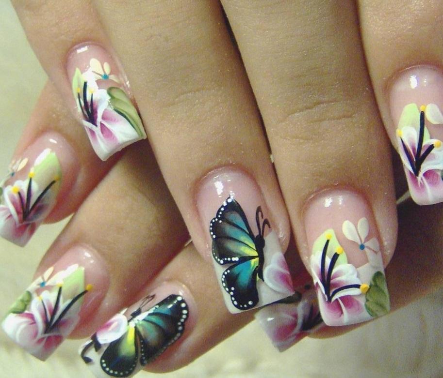 Цветы и бабочки — идеальный летний маникюр
