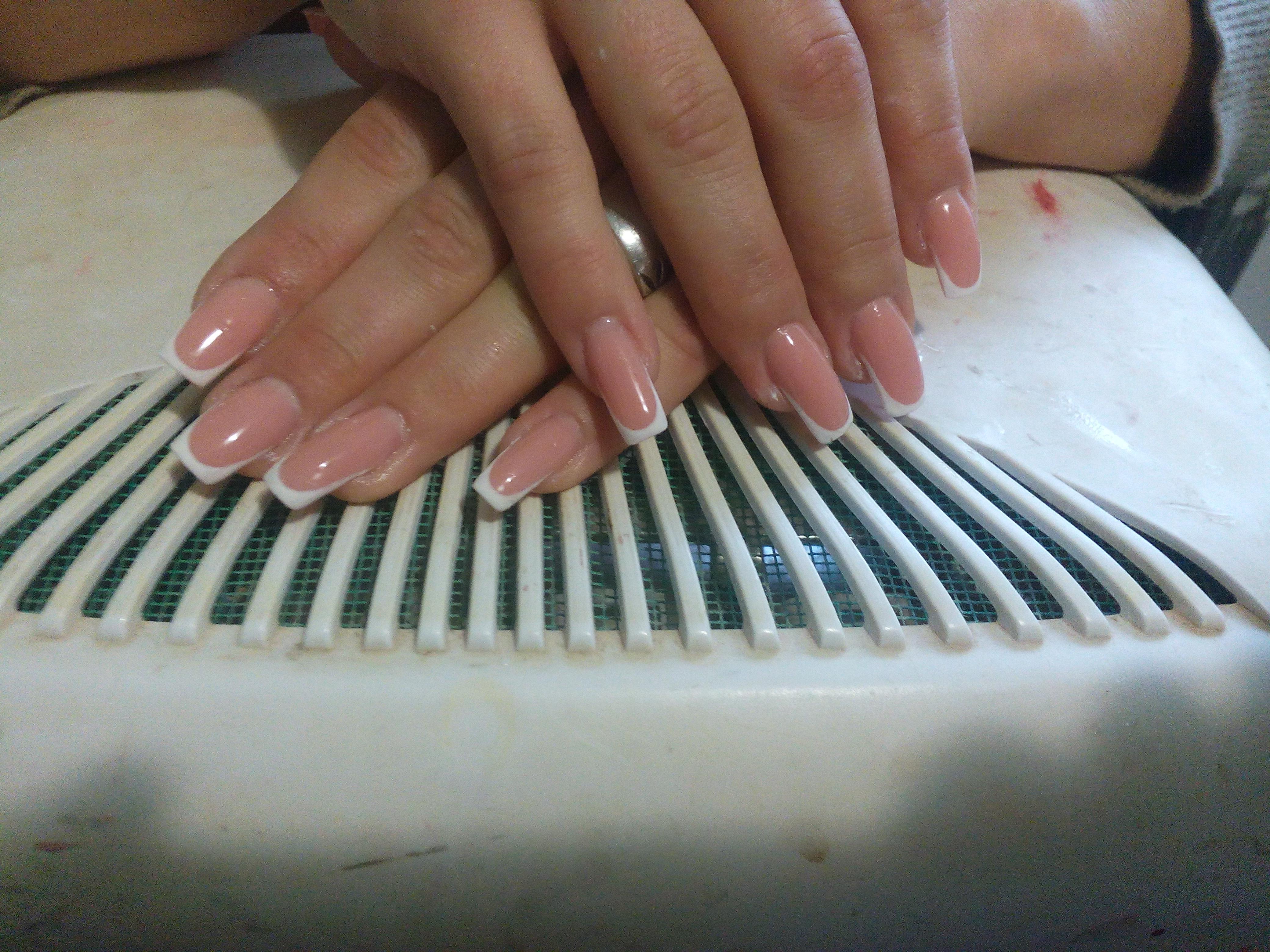 френч классический на ногтях фото