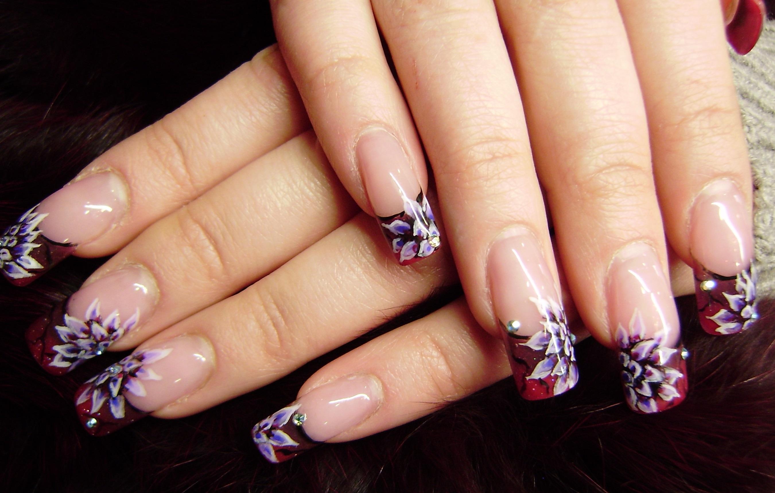 Роспись цветами на длинные ногти
