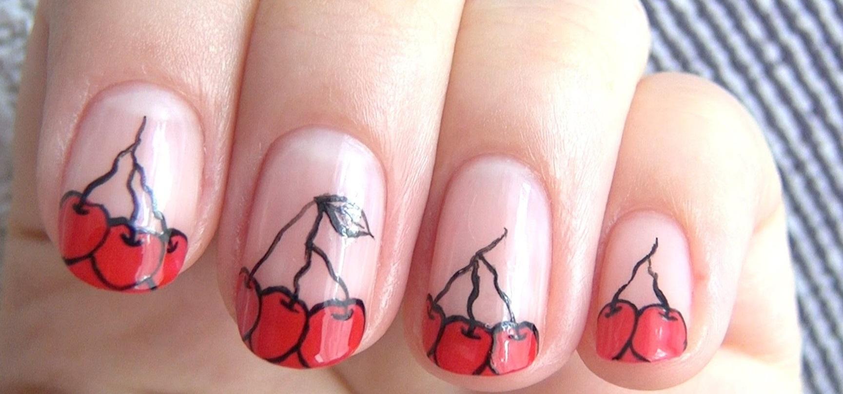 Стильные вишенки на коротких ногтях