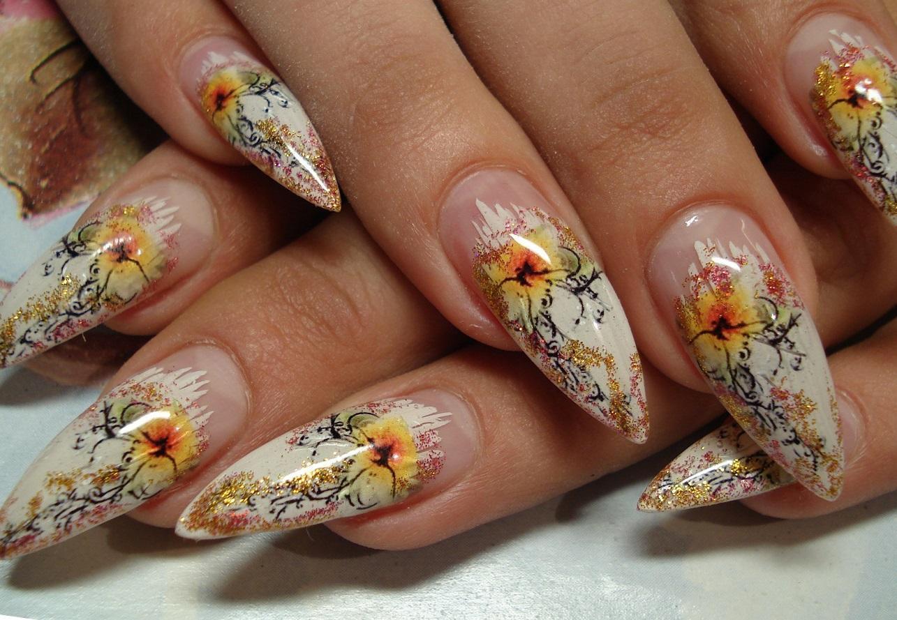 Слайдер-цветы на длинных красивых ногтях