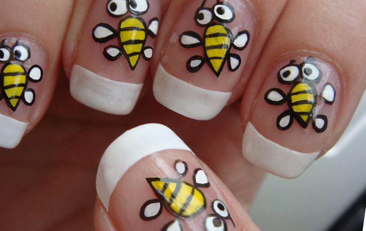 Маникюр с пчелой фото