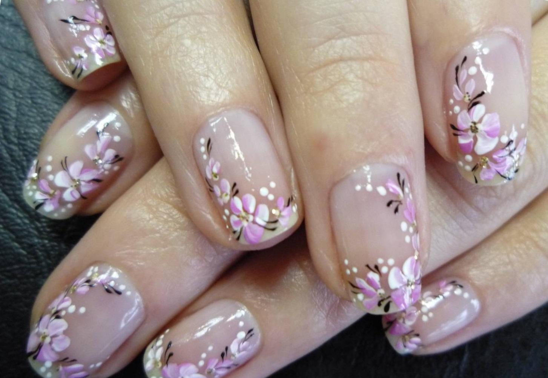 Нежные цветы — художественная роспись на ногтях