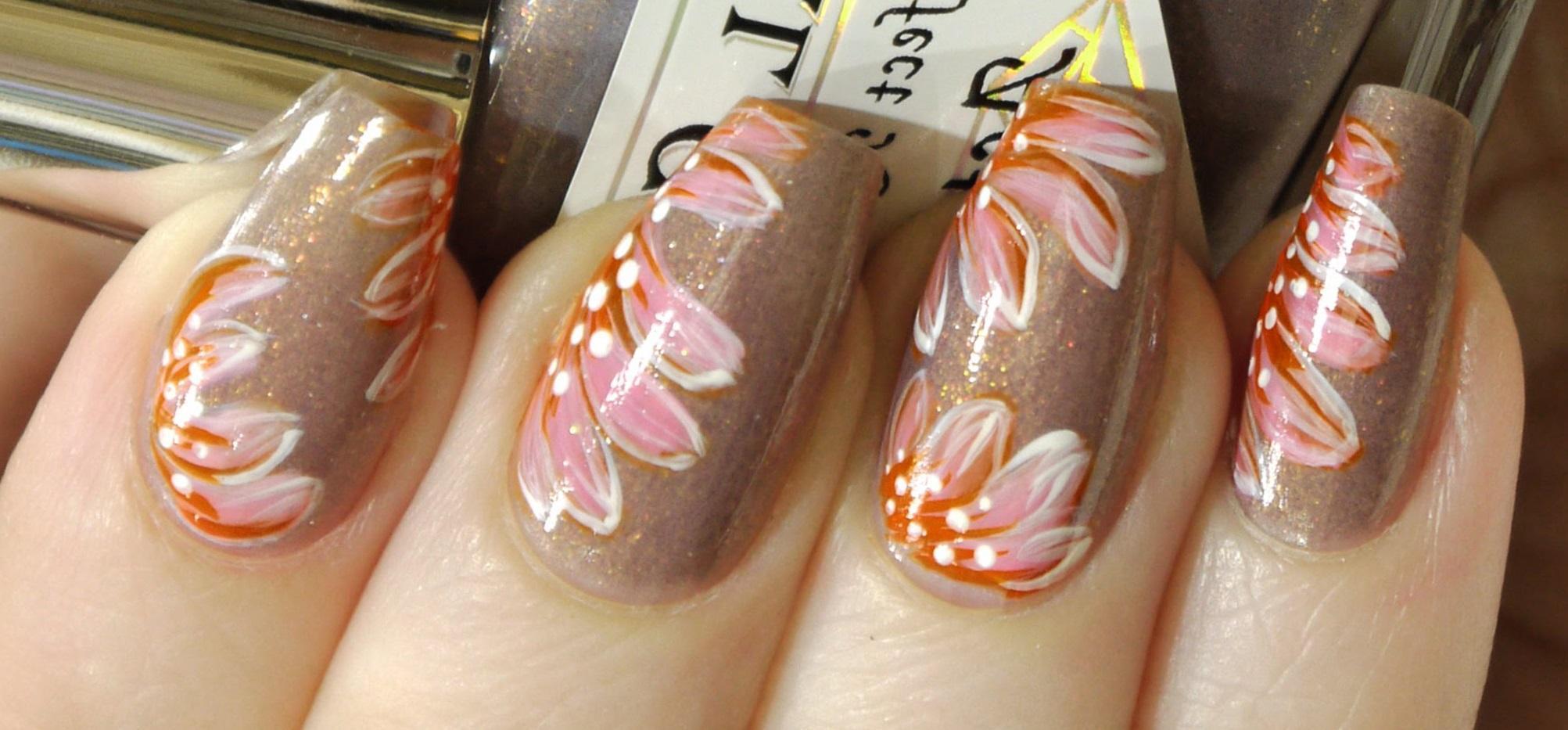 Фото модной росписи ногтей