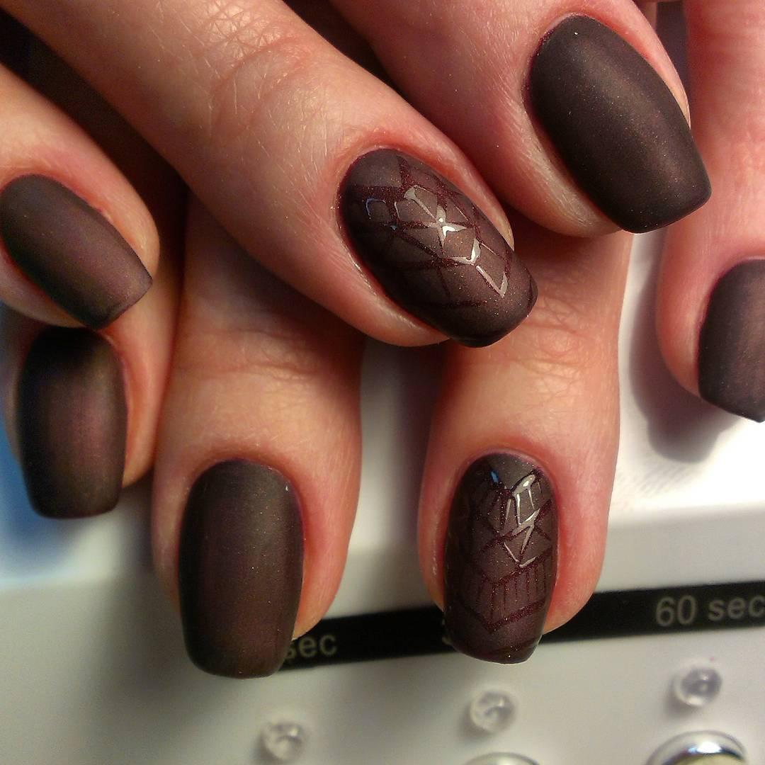 Тёмный коричневый матовый гель-лак
