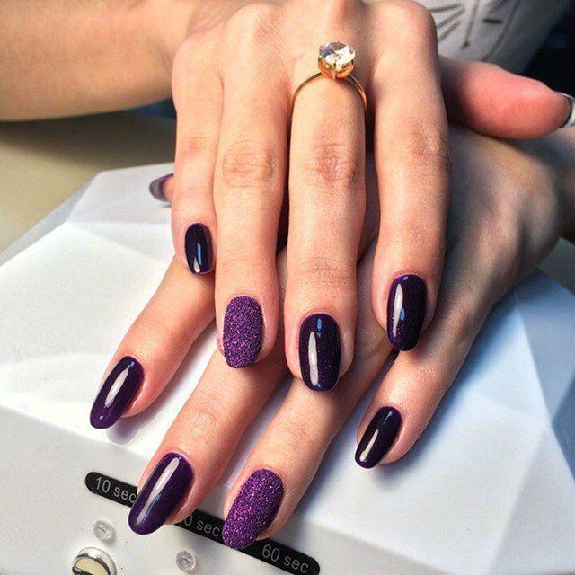 Сахарные ногти фиолетового цвета