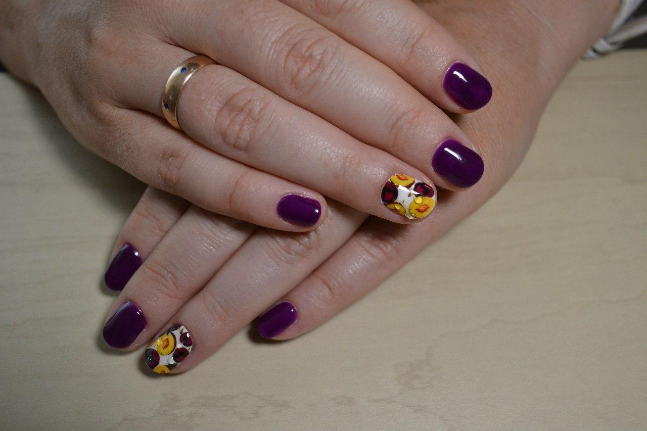 Сливовые ногтики
