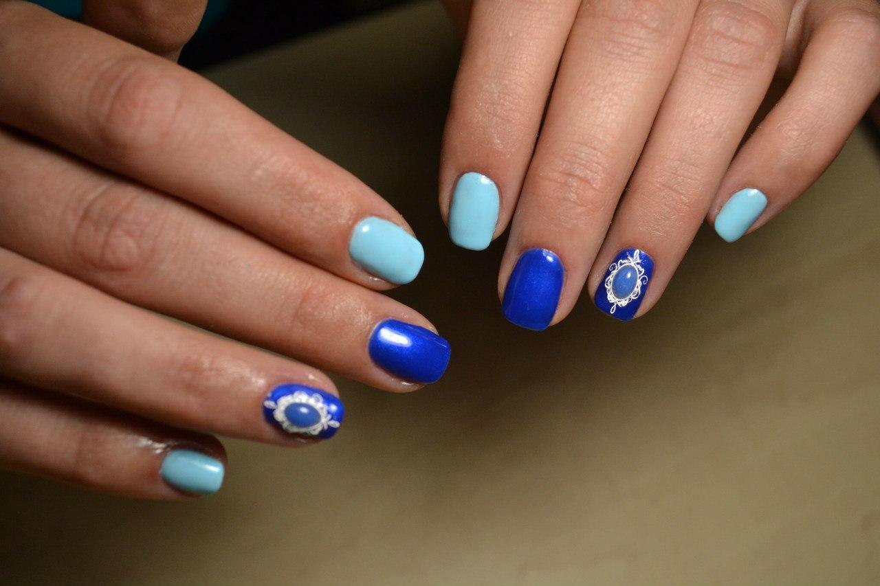 Жидкие камни синего цвета
