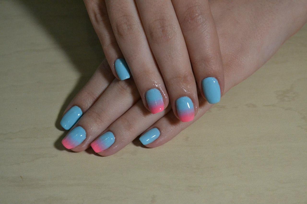 Омбре розово-голубого цвета